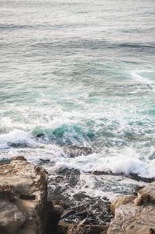 Pionowe ujęcie morza