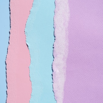 Pionowe zgrane abstrakcyjne linie papieru