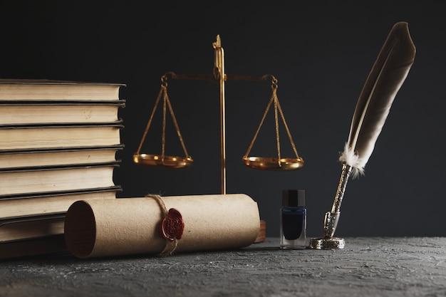 Pióro notarialne i pieczęć na testamencie i testamencie. notariusz narzędzia publiczne public