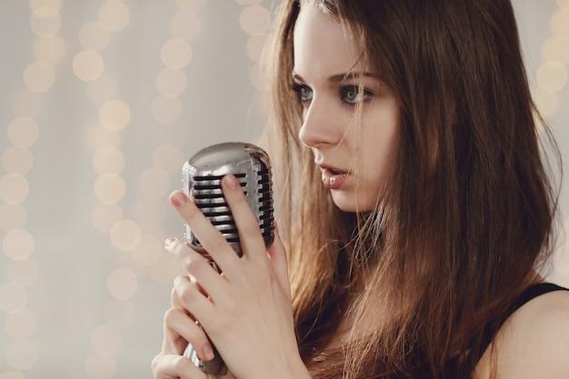 Piosenkarz
