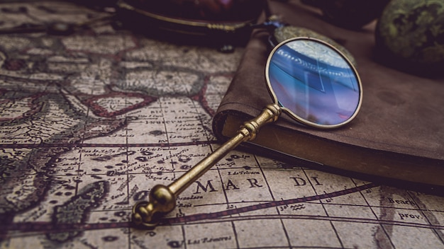Pirate magnifying glass