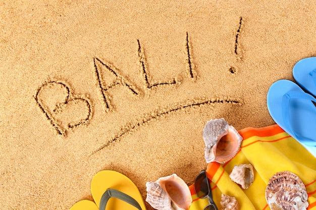 Pisanie na plaży bali
