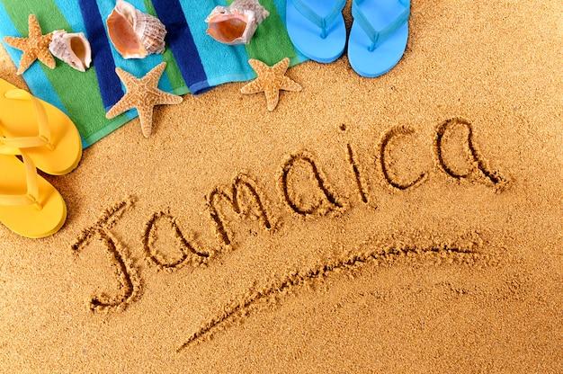Pisanie na plaży na jamajce