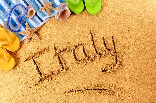 Pisanie na plaży we włoszech