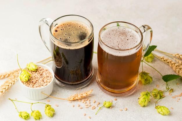 Piwa pod wysokim kątem i ziarna pszenicy
