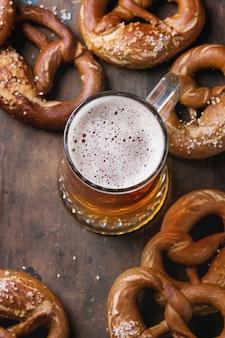 Piwo jasne z precle