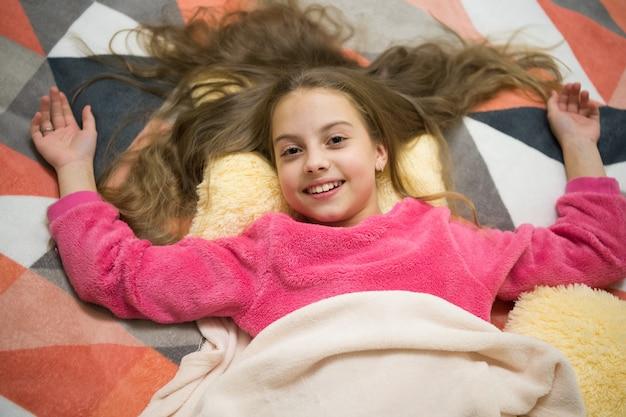 Piżamowa impreza czyste szczęście dobranoc szczęście z dzieciństwa dzień dobry międzynarodowe dzieci