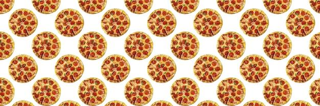 Pizza pepperoni na białym tle, do projektowania fast foodów lub pizzerii, bez szwu wzór