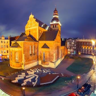 Plac katedralny w rydze, łotwa