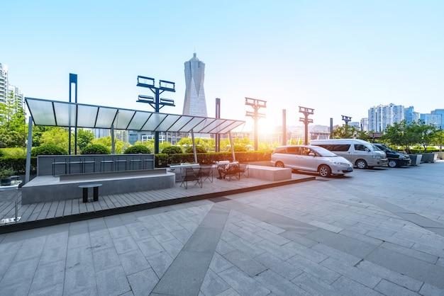 Plac parkowy i miejsce parkingowe