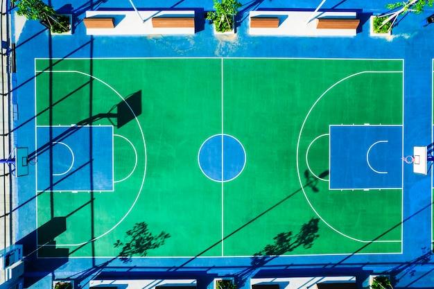 Plac zabaw - boisko do koszykówki z lotu ptaka