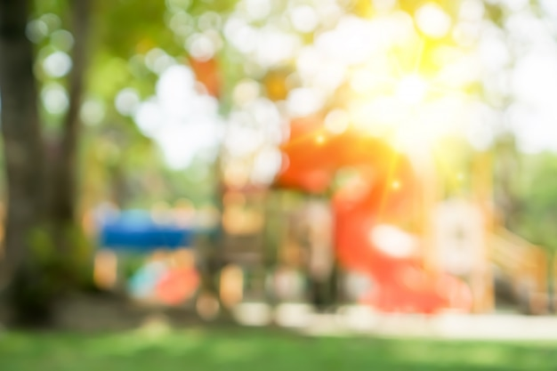 Plama dzieciaka boiska parka kopii plenerowa przestrzeń.