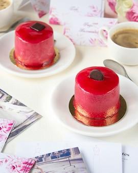 Planowanie weselne z kawą i ciastem
