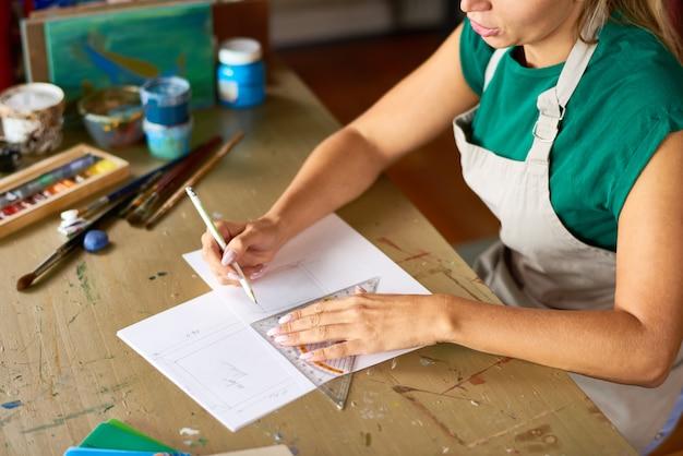 Plany szkicowania projektanta wnętrz w warsztacie