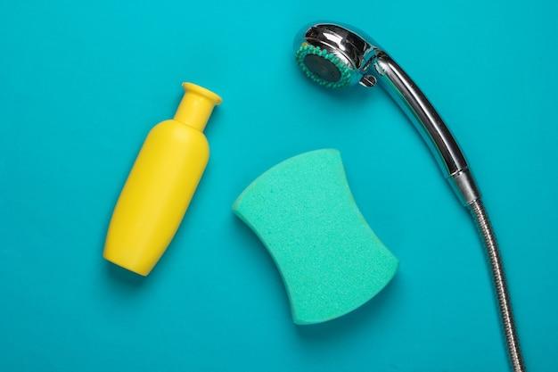 Płaska kompozycja głowicy prysznicowej do łazienki i produktów do kąpieli