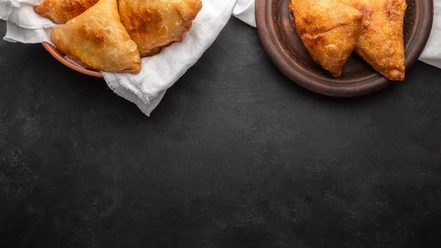 Płaska rama żywności świeckich z miejsca na kopiowanie