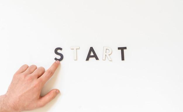 Płaska warstwa hashtagu słowo startowa koncepcja nowej działalności