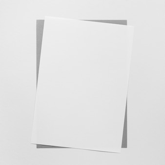 Płaski arkusz białego papieru