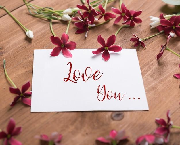 Płaski design z creeperem rangoon lub kwiatem quisqualis indica