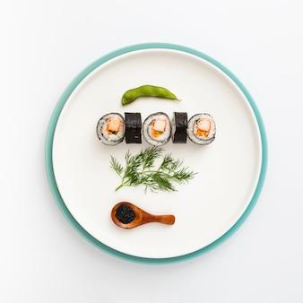 Płaski talerz z sushi