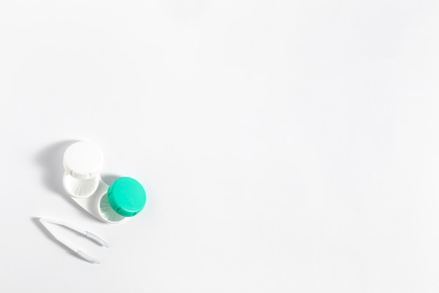 Płaski układ etui na soczewki kontaktowe z miejscem na kopię