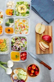 Płaski układ gotowania partii ze zdrową żywnością