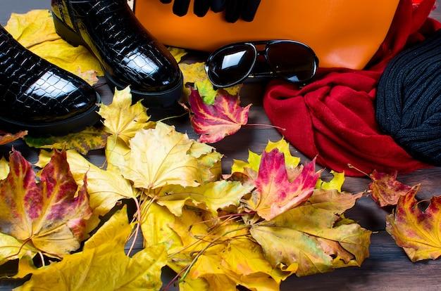 Płaski układ kobiecy w jesiennym stylu