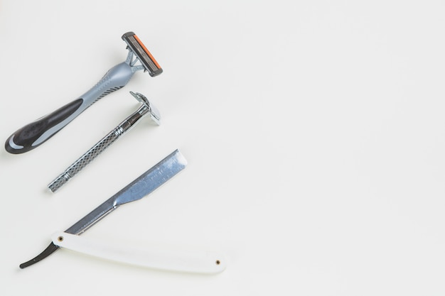 Płaski układ przedmiotów do golenia
