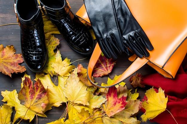 Płaski zestaw kobiecej odzieży w jesiennym stylu