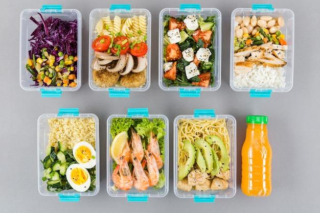 Płaskie układanie posiłków w zapiekankach