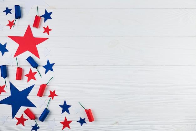 Płaskie ukształtowanie amerykańskich gwiazd i petard