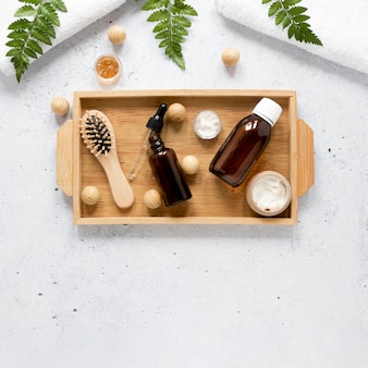 Płaskie ukształtowanie butelki z naturalnym olejkiem eterycznym