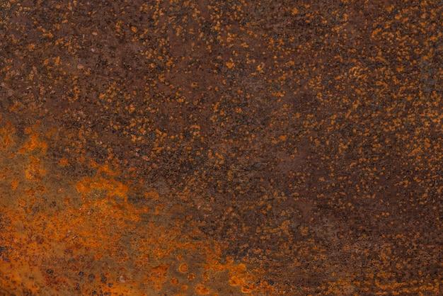 Płaskie ułożenie zardzewiałej metalicznej powierzchni