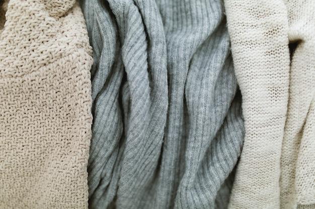 Płaskie zdjęcia mody jesień i zima. stylowy strój kobiecy.