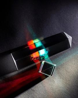 Płasko świeci abstrakcyjny efekt pryzmatu światła