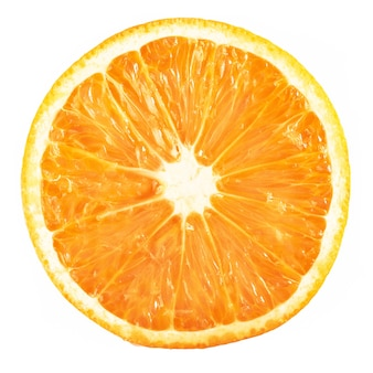 Plasterka dojrzałe pomarańczowe owoce cytrusowe samodzielnie na białym tle.