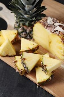 Plasterki ananasa
