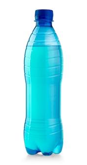 Plastikowa butelka wody na białym tle