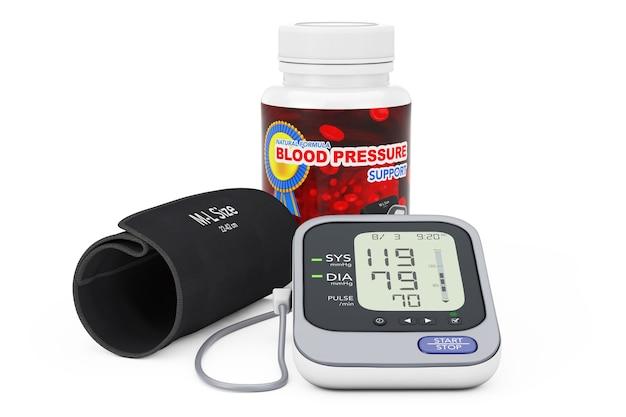 Plastikowa butelka z pigułkami wspomagającymi ciśnienie krwi i cyfrowym ciśnieniomierzem z mankietem na białym tle. renderowanie 3d.