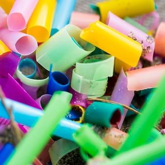 Plastikowe kawałki z bliska