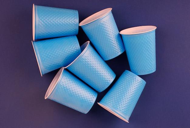 Plastikowe kubki na imprezę