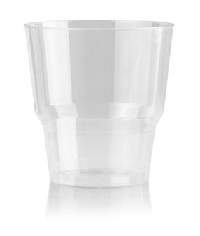 Plastikowy kubek jednorazowe szkło na białym tle