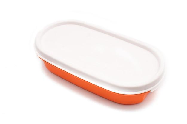 Plastikowy uchwyt na żywność na białym tle