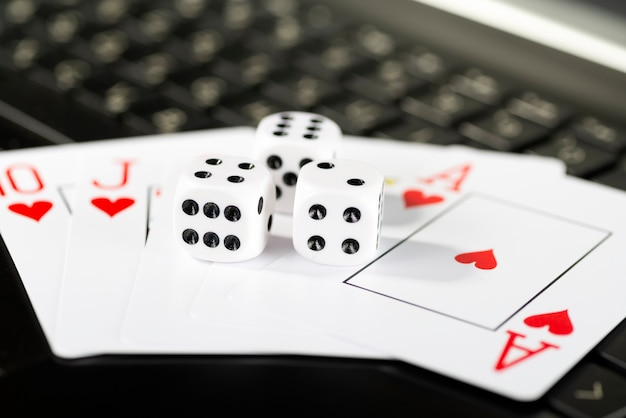 Platforma gier online, kasyno i biznes hazardowy.