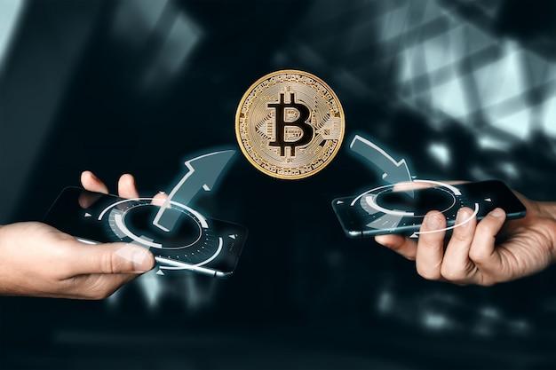 Płatność złotą monetą bitcoin. kryptowaluty. technologia blockchain ..