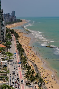 Plaża boa viagem pełna kąpiących się recife pernambuco brazylia 27 września 2008 r.