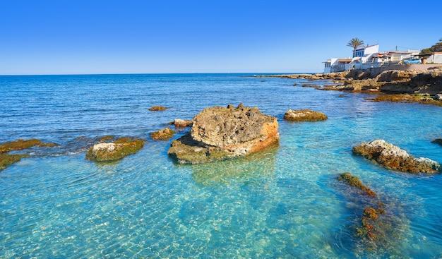 Plaża denia las rotas w basenie morza śródziemnego