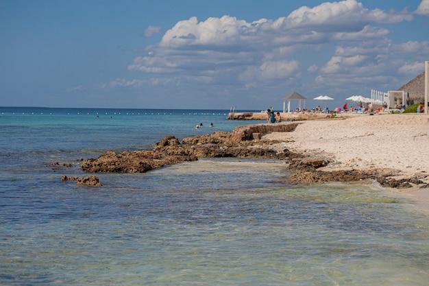 Plaża dominicus w słoneczny dzień, dominikana
