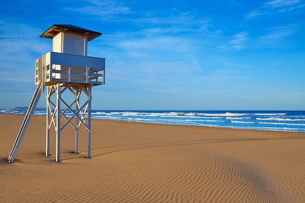 Plaża gandia w walencji w hiszpanii