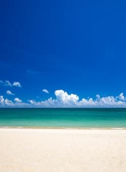 Plaża i morze tropikalne